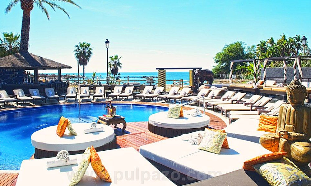 Beach Clubs Marbella - La Sala by the sea beach club