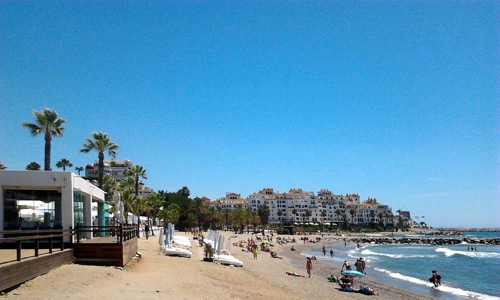 Strand von Nueva Andalucía