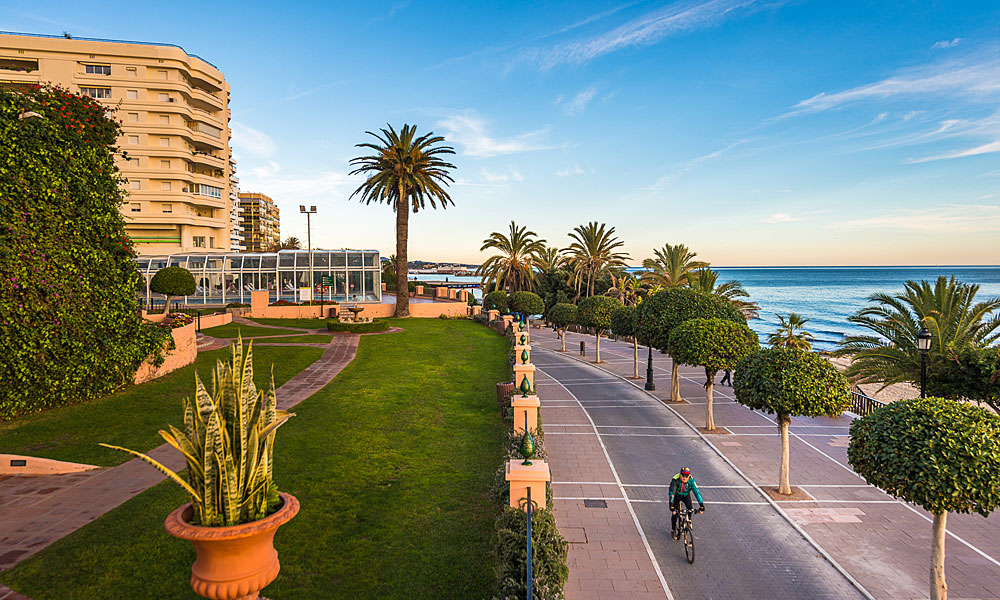 things to see and do in Marbella - Discover the seafront promenade by bike