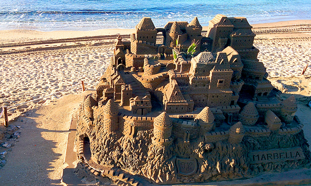 things to see and do in Marbella - Build sandcastles