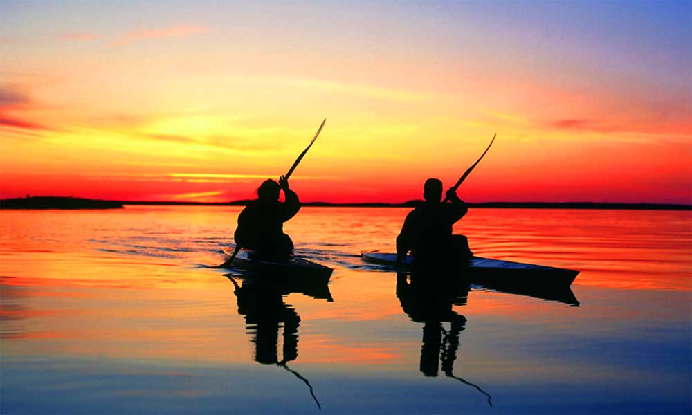 12 reasons to visit Marbella - Kayaking in Marbella