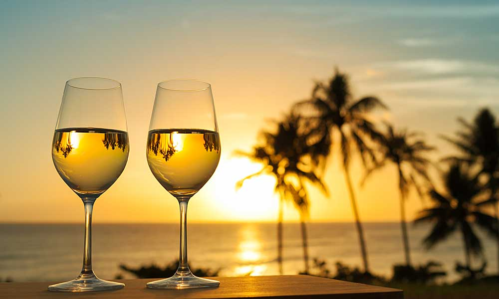5 Malaga white wines that bring joy the soul and to the heart