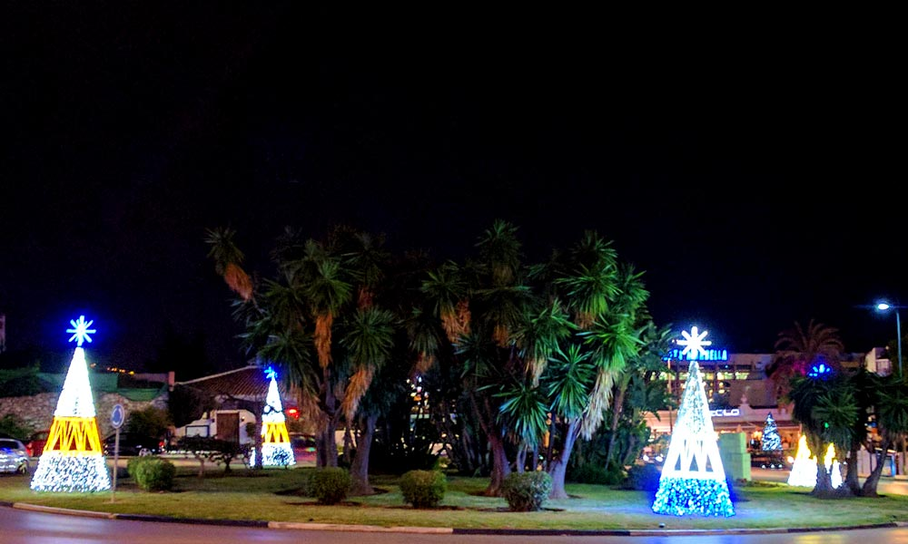 Christmas and New Year in Marbella - Christmas lights Puerto Banus