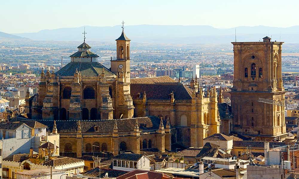 L`ESPAGNE – MOEURS ET PAYSAGES - avec les traditions catholiques de ce pays Granada-cathedral