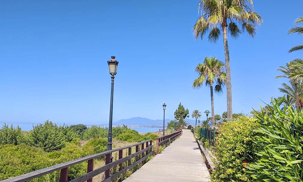 Promenade Marbella to Puerto Banús